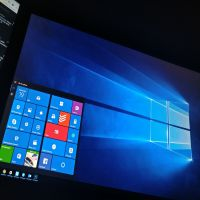 Windows 10 Pro Build 15055